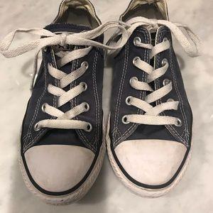 Kids size 1.5 navy converse